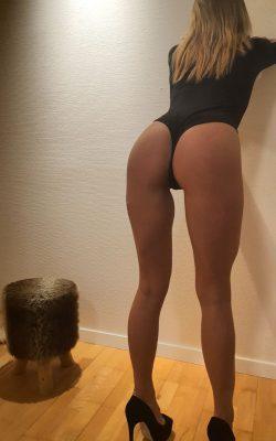 Süßes blondes Call Girl aus Polen mit üppiger Oberweite